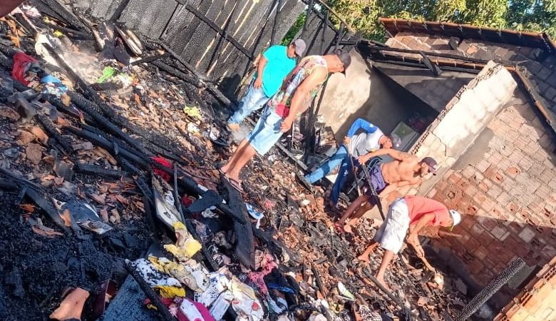 Ação popular solidária é destaque após incêndio destruir casa em Augustinópolis