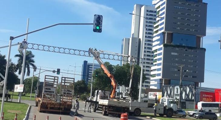 Teotônio Segurado terá mais cruzamentos fechados temporariamente nesta terça-feira, 2, para retirada dos portais luminosos