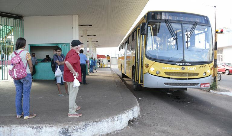 Em Araguaína, Flávio Cabanhas questiona serviços da empresa de coletivo Passaredo